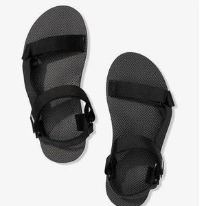 9/10 NWT VS pink festival slides sandals black